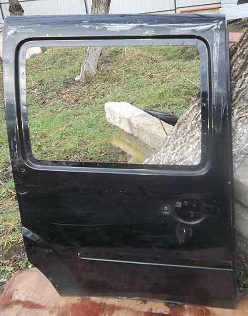 Розсувна дверка на Fiat Doblo
