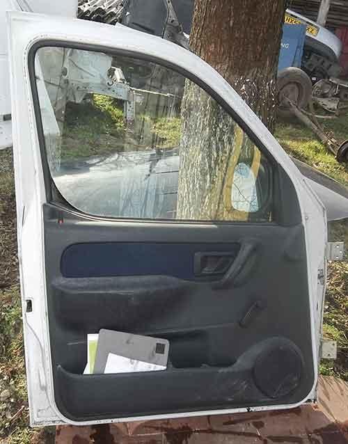 Передня ліва дверка Renault Kangoo|Nissan Kubistar
