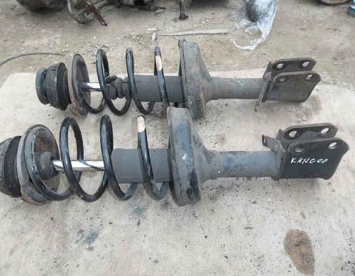 Передні пружини Renault Kangoo 1.5 dci