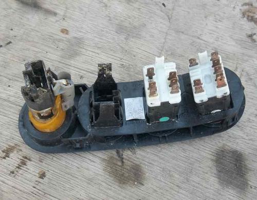 Кнопка аварійки, прикурювач Opel Movano