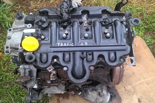 Двигун Nissan Primastar c 2.5 2003