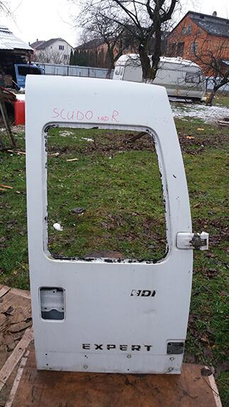 Дверка задня права (під скло) Fiat Scudo