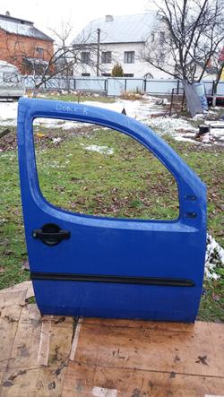 Дверка передня права Fiat Doblo синій колір