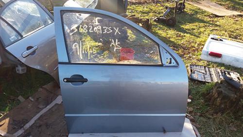 Дверка передня права Skoda Fabia