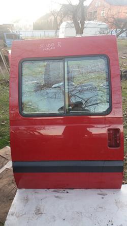 Дверка права розсувна під скло Fiat Scudo