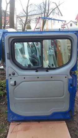 Дверка права розсувна під скло Renault Trafic Львів