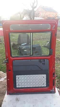 Дверка розсувна ліва під скло Fiat Scudo червоний колір
