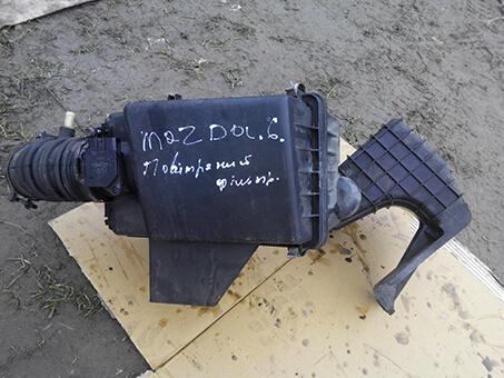 Корпус повітряного фільтра Mazda 6