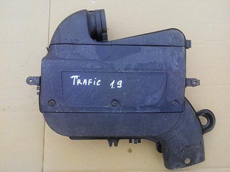 Кришка двигуна Renault Trafic 1.9