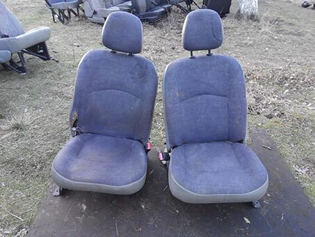 Оригінальні передні сидіння Renault Kangoo