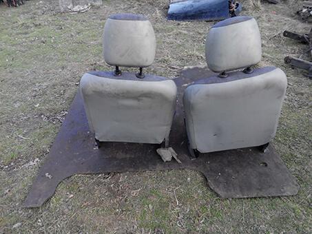 Передні сидіння Renault Kangoo