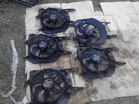 Вентилятор радіатора малий з моторчиком Renault Trafic 1.9