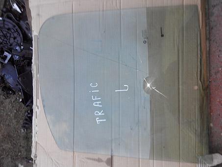 Скло передньої лівої дверки Renault Trafic
