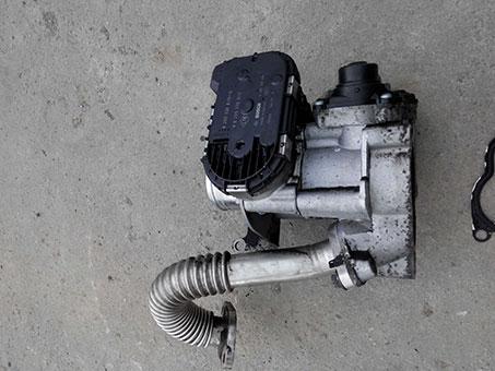 Дросельна заслонка Renault Trafic 2.0 2008