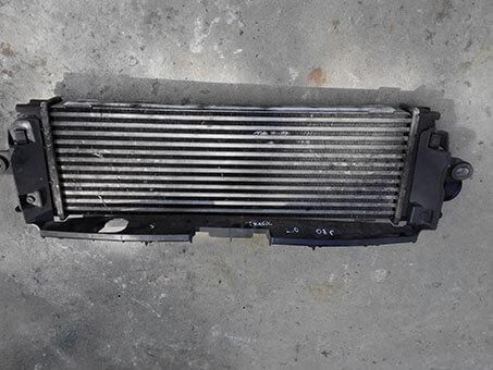 Радіатор інтеркулера Renault Trafic 2.0 2008