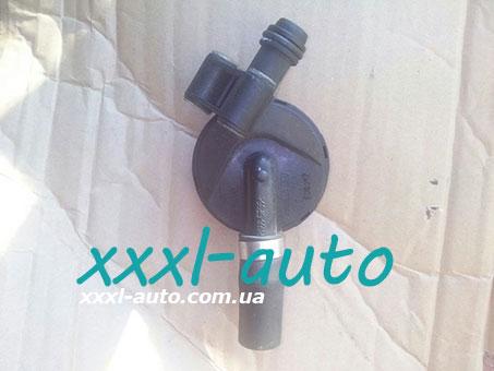 Клапан вентиляції картерних газів Skoda Fabia 1.2 3D103765A