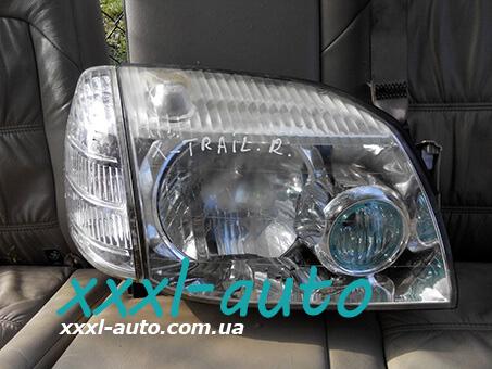 Фара права для Nissan X-Trail (T30) 2001-2006