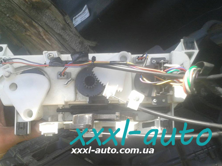 Блок управління обігрівачем для Fiat Doblo 46723236