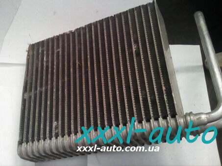 Випарник кондиціонера Opel Vivaro 1.9 7701473281