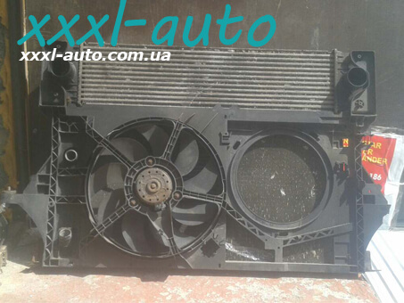 Дифузор радіатора Renault Master II 2.5DCI-8200058463