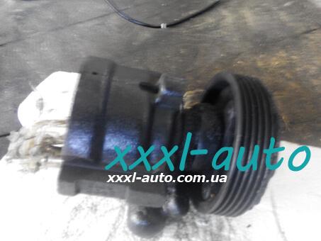 Насос гідропідсилювача руля Renault Kangoo 8200100082