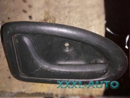 Ручка двері передньої лівої внутрішня Renault Trafic 8200028994