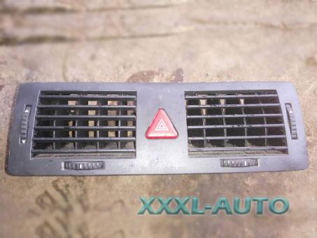 Дефлектор повітря центральний в торпедо Skoda Fabia 1999-2007 6Y082095147H