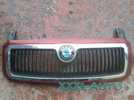 Фото решітка радіатора для Skoda Fabia 1999-2007 червоний колір