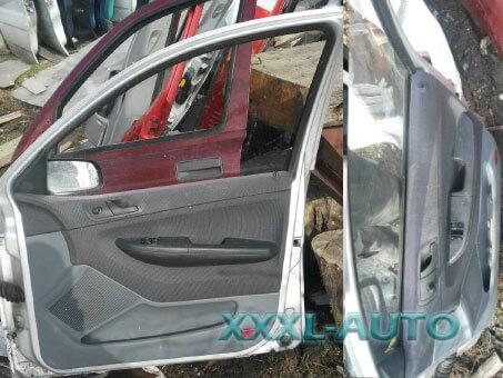 Фото Двері передні праві Skoda Fabia (сірий металік) 99-07