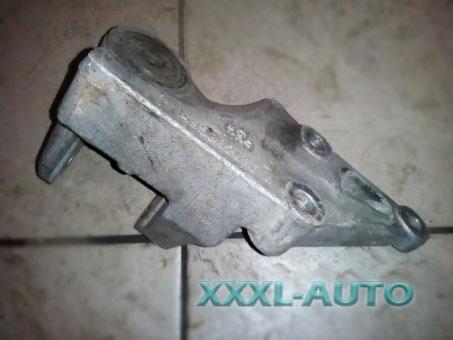 Кронштейн двигуна верхній правий Peugeot Expert 2.0 1484795080, 1495036080, 1495362080A